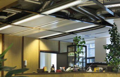 Plafondpanelen grijs Humanity Hub kantine