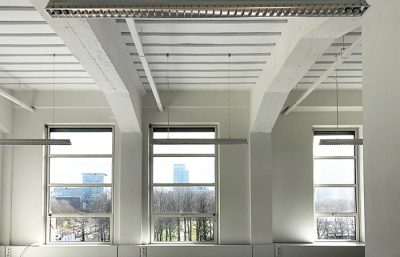 Project Spaces Rode Olifant witte plafondpanelen